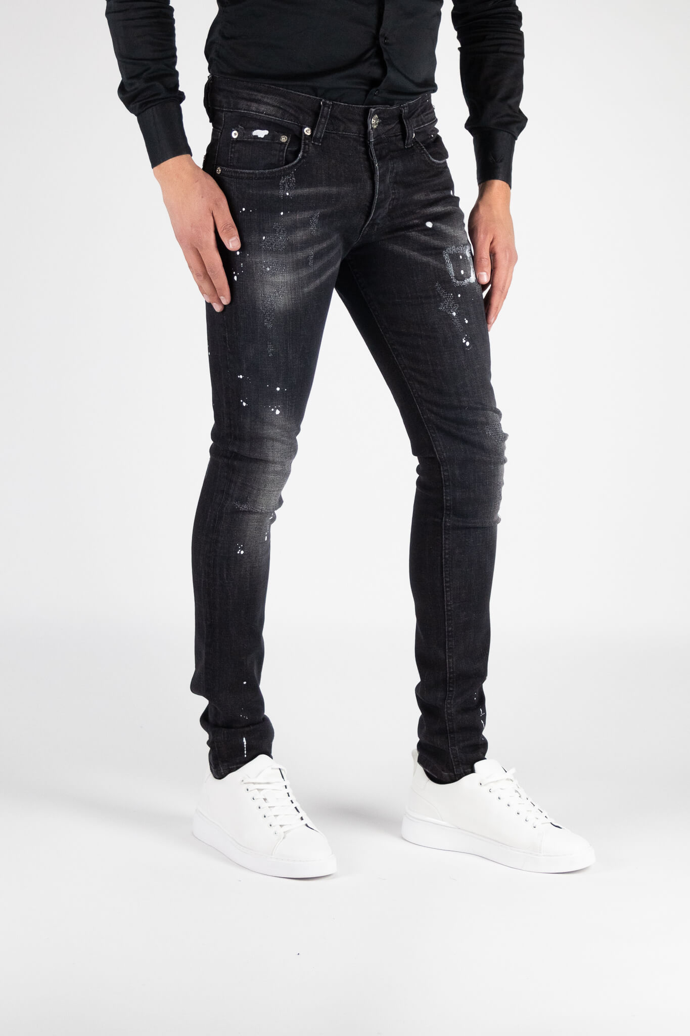 Chaves Black Jeans 2