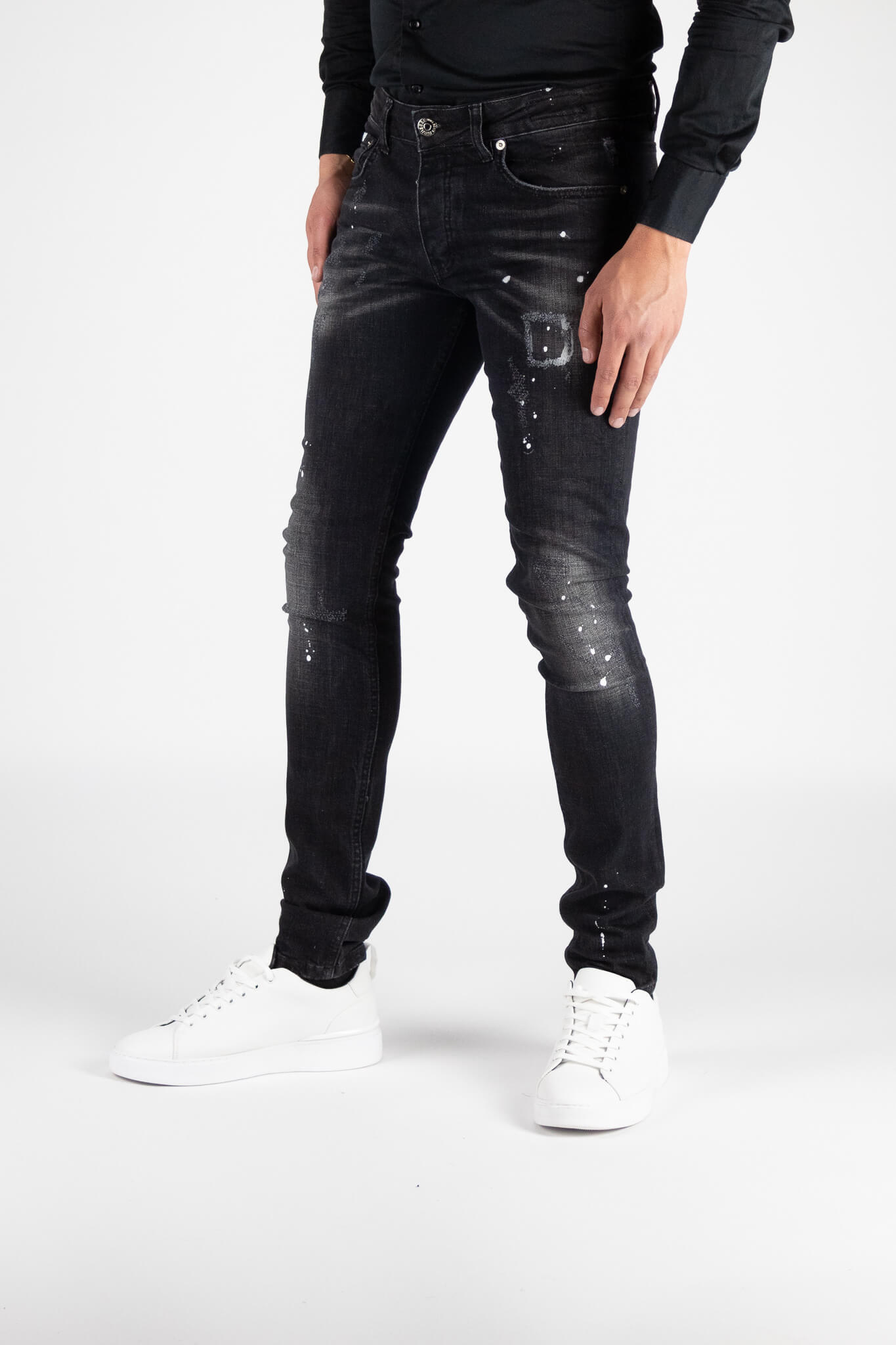 Chaves Black Jeans 3