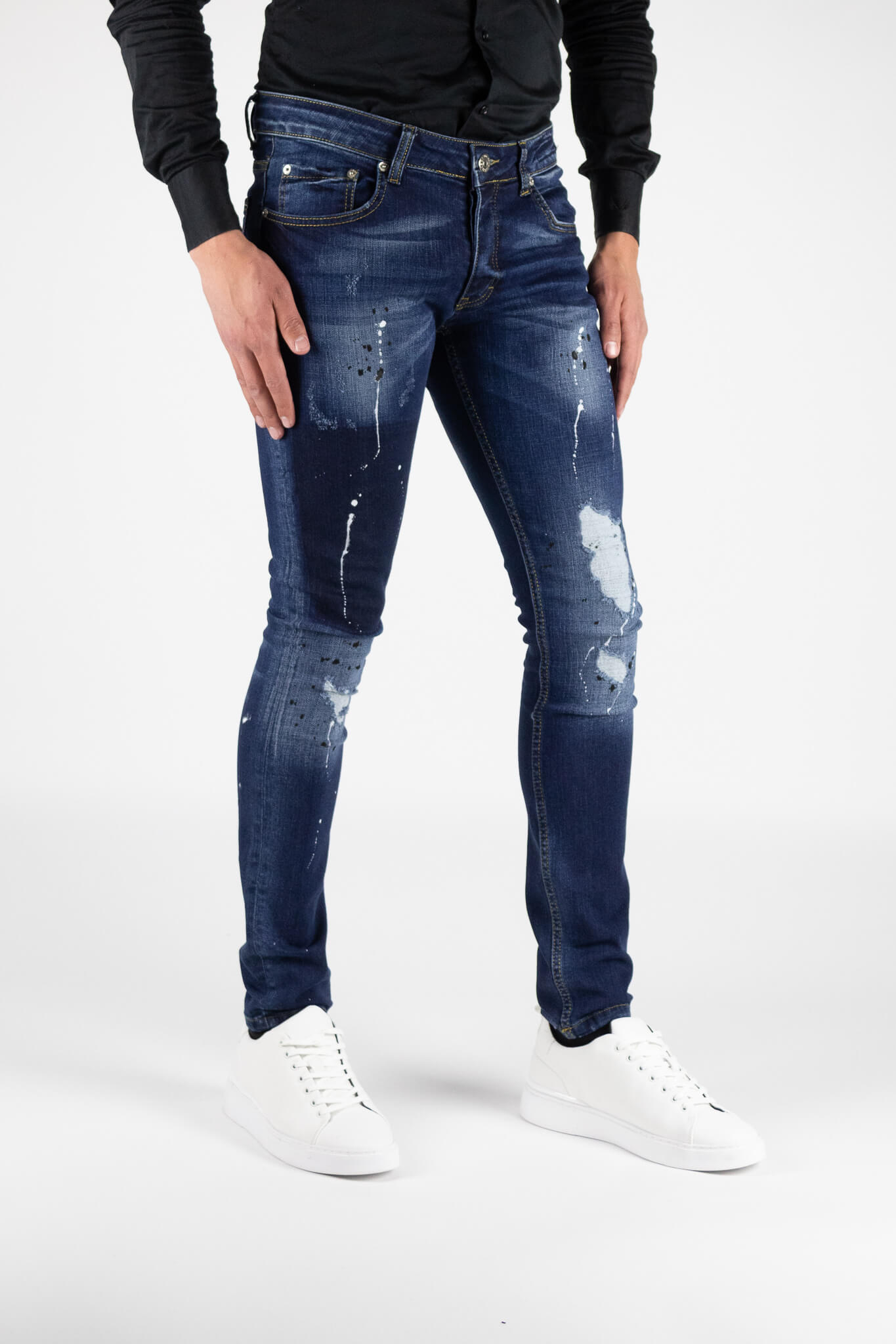 Toulon-Blue-Jeans-3.jpg