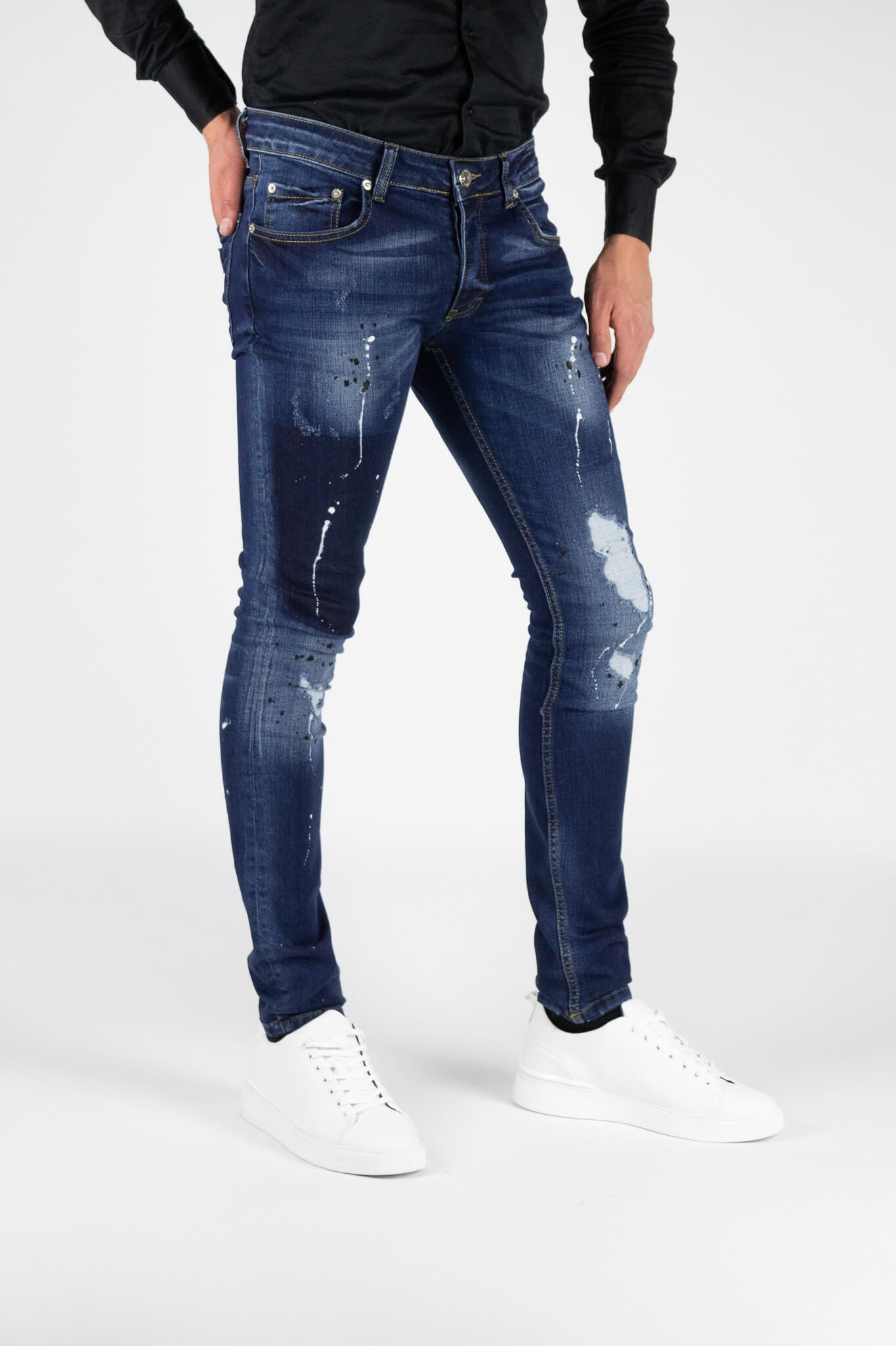 Toulon-Blue-Jeans-5.jpg